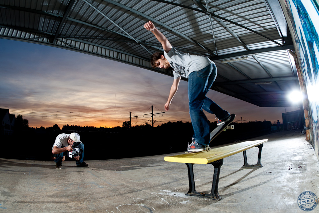 Skateboard – Sunset Bench